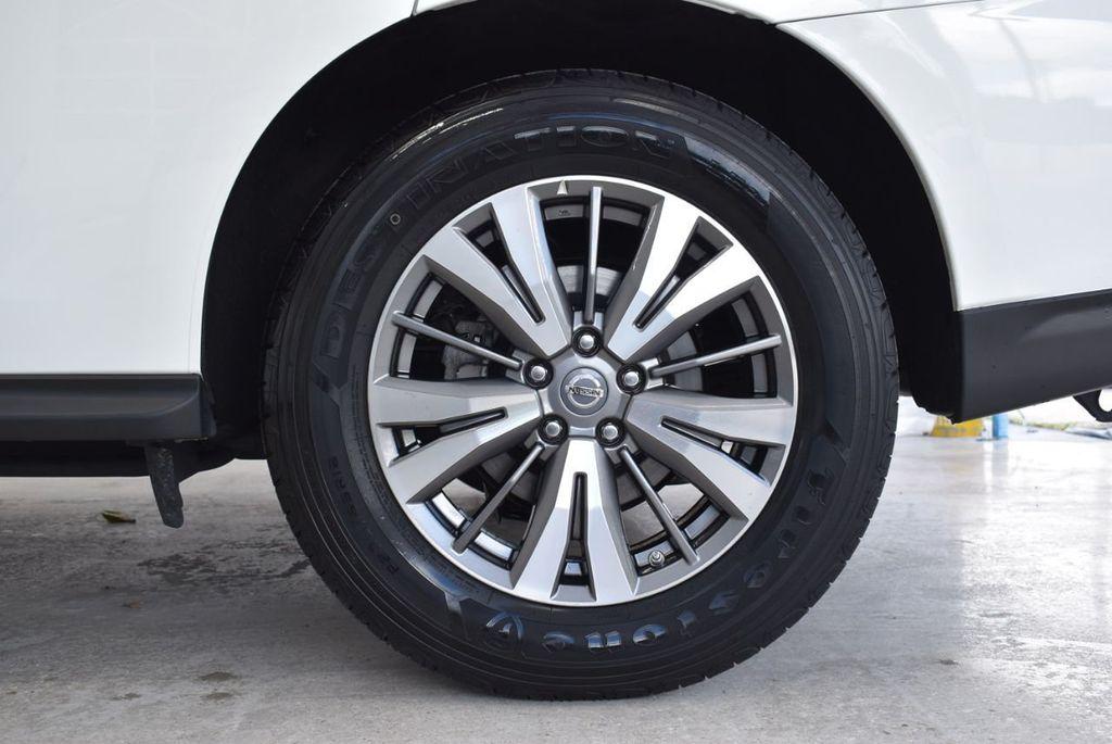 2018 Nissan Pathfinder FWD SV - 18433255 - 10