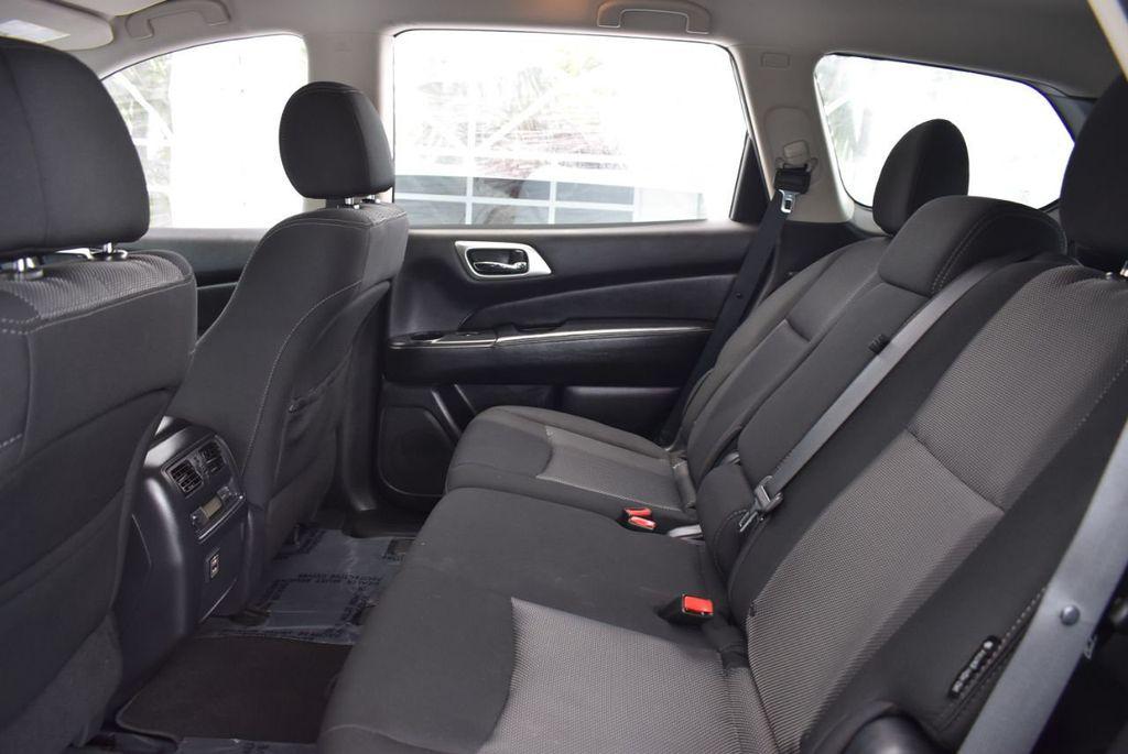 2018 Nissan Pathfinder FWD SV - 18433255 - 12
