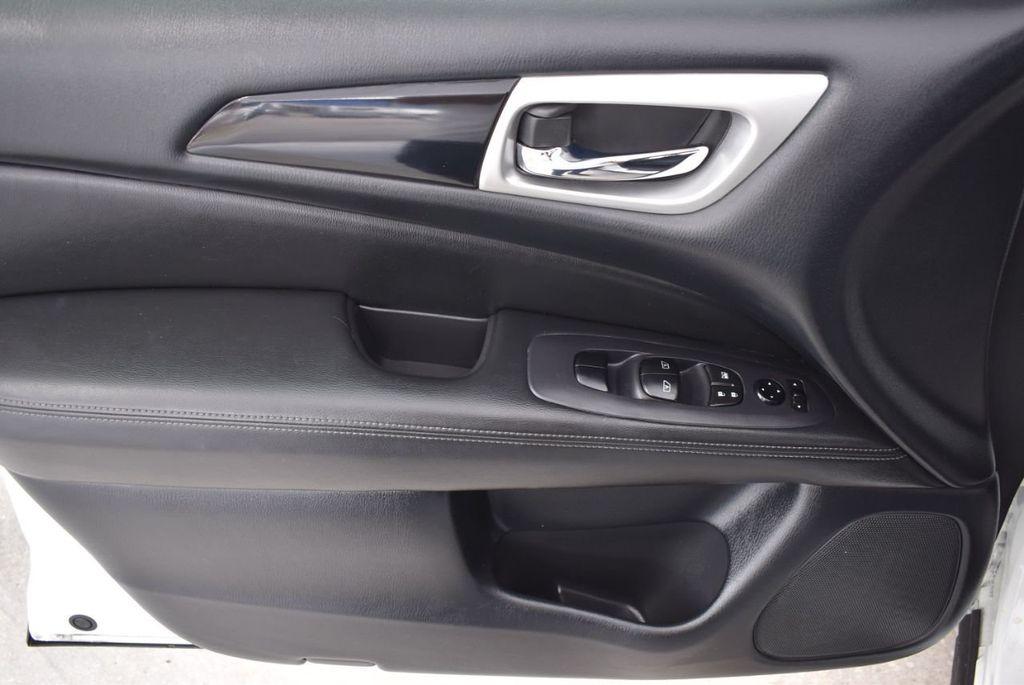 2018 Nissan Pathfinder FWD SV - 18433255 - 16