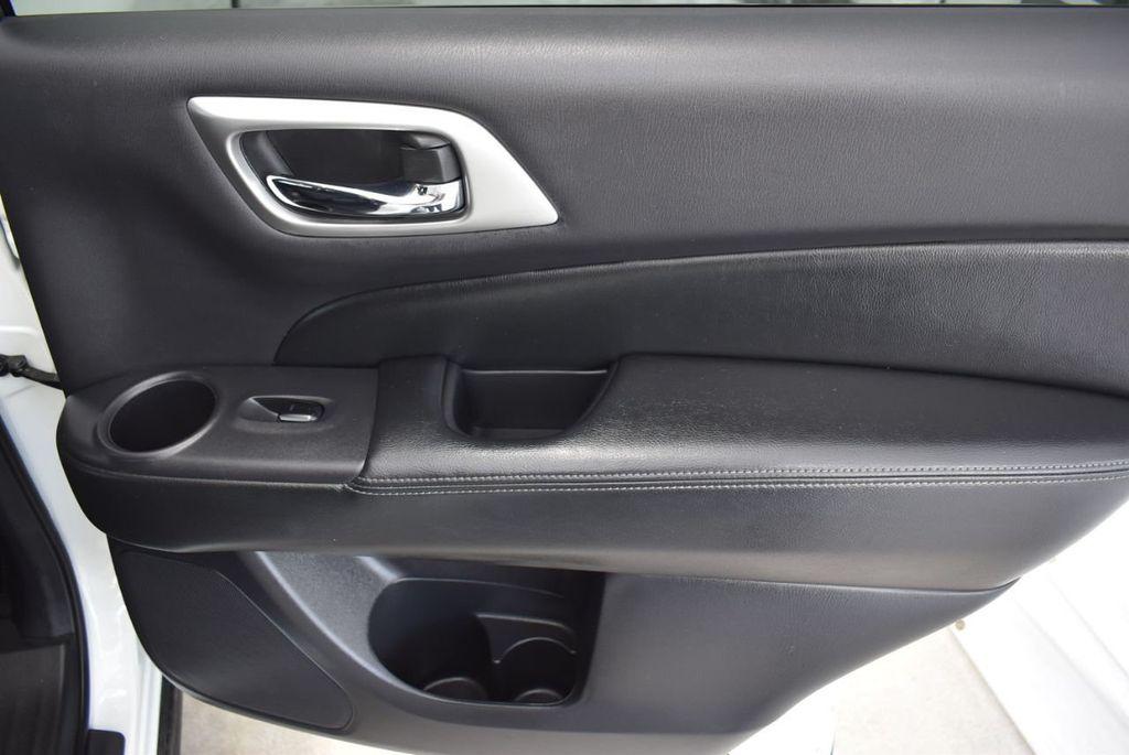 2018 Nissan Pathfinder FWD SV - 18433255 - 19