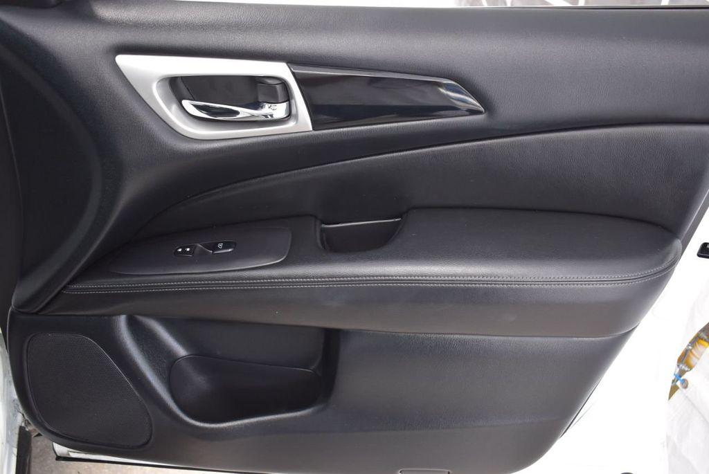 2018 Nissan Pathfinder FWD SV - 18433255 - 21