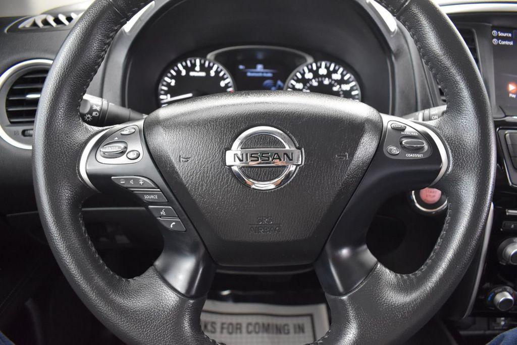 2018 Nissan Pathfinder FWD SV - 18433255 - 23