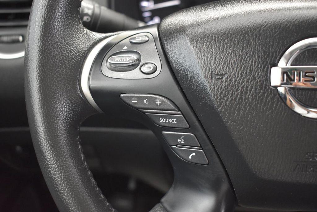 2018 Nissan Pathfinder FWD SV - 18433255 - 25