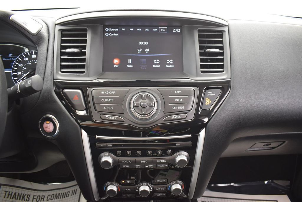 2018 Nissan Pathfinder FWD SV - 18433255 - 26