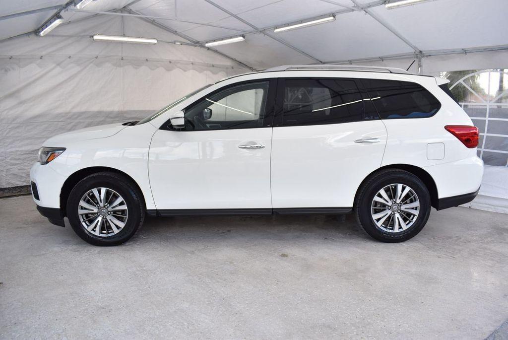 2018 Nissan Pathfinder FWD SV - 18433255 - 4