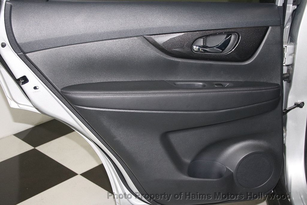 2018 Nissan Rogue AWD SV - 17422014 - 12