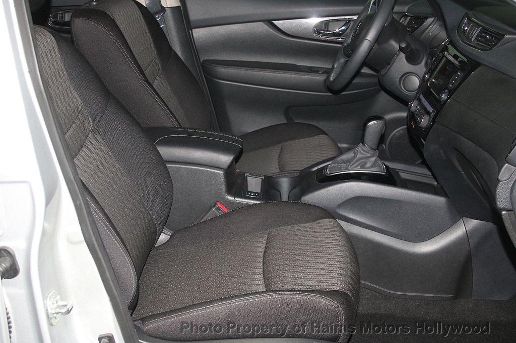 2018 Nissan Rogue AWD SV - 17422014 - 15