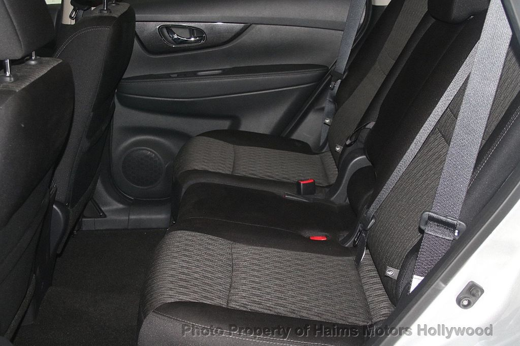 2018 Nissan Rogue AWD SV - 17422014 - 17