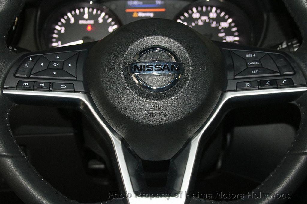 2018 Nissan Rogue AWD SV - 17422014 - 29