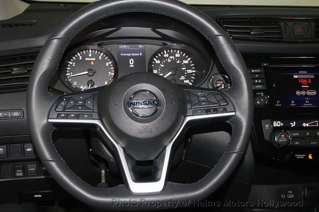 2018 Nissan Rogue AWD SV - 17422014 - 30