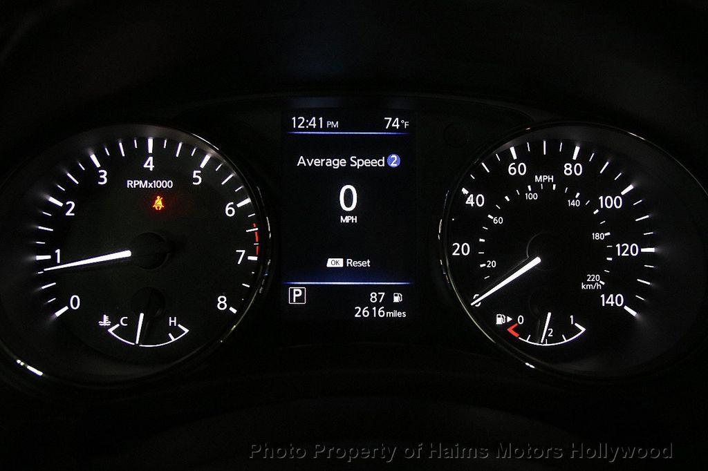 2018 Nissan Rogue AWD SV - 17422014 - 31