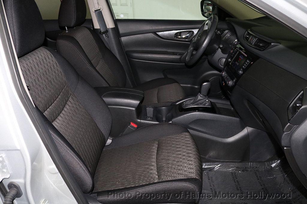 2018 Nissan Rogue AWD SV - 18557749 - 14
