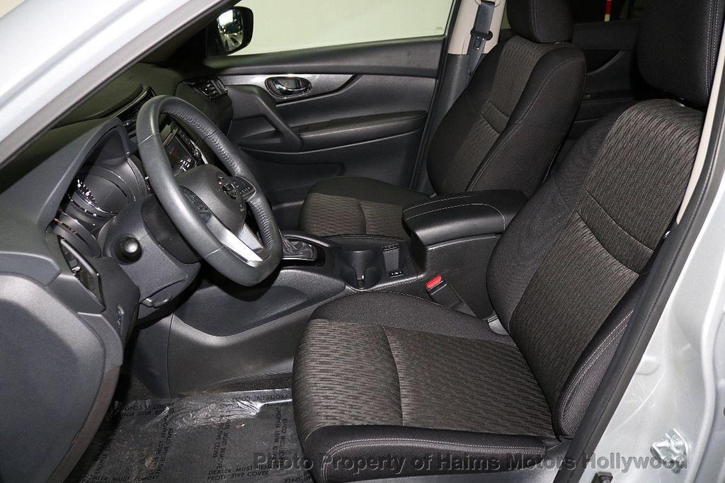 2018 Nissan Rogue AWD SV - 18557749 - 17