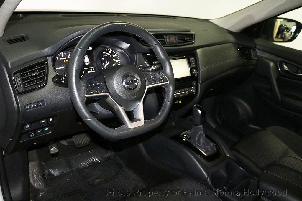2018 Nissan Rogue AWD SV - 18557749 - 18