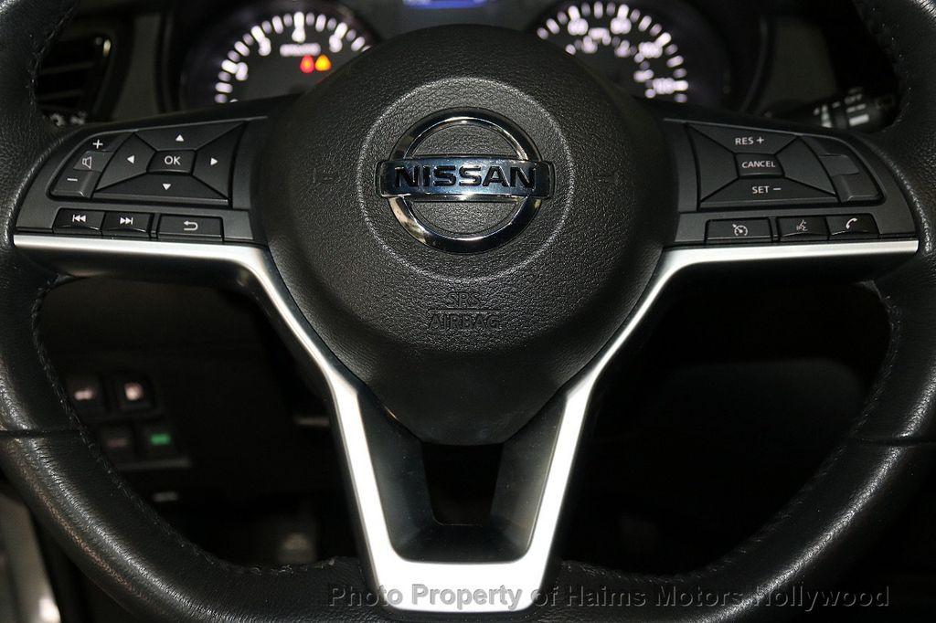 2018 Nissan Rogue AWD SV - 18557749 - 27
