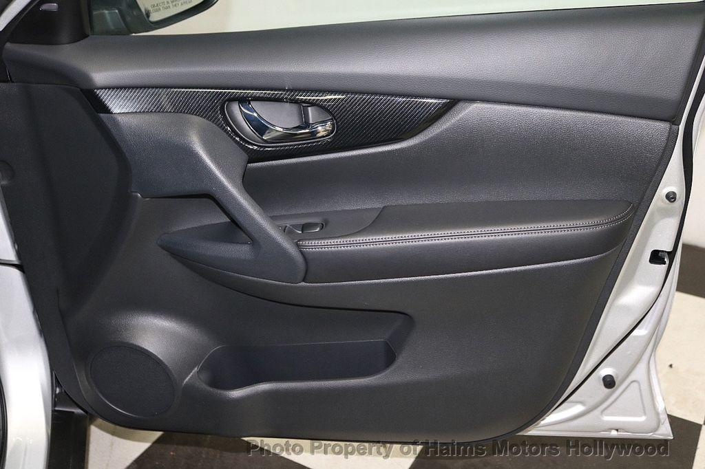 2018 Nissan Rogue FWD SL - 18546610 - 13
