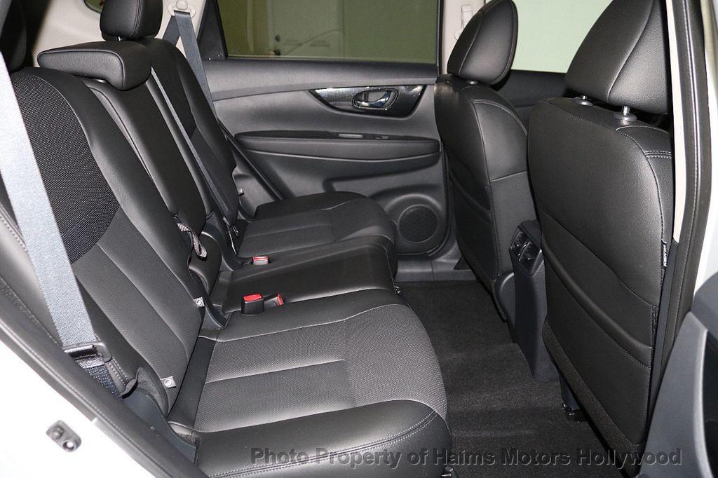 2018 Nissan Rogue FWD SL - 18546610 - 15