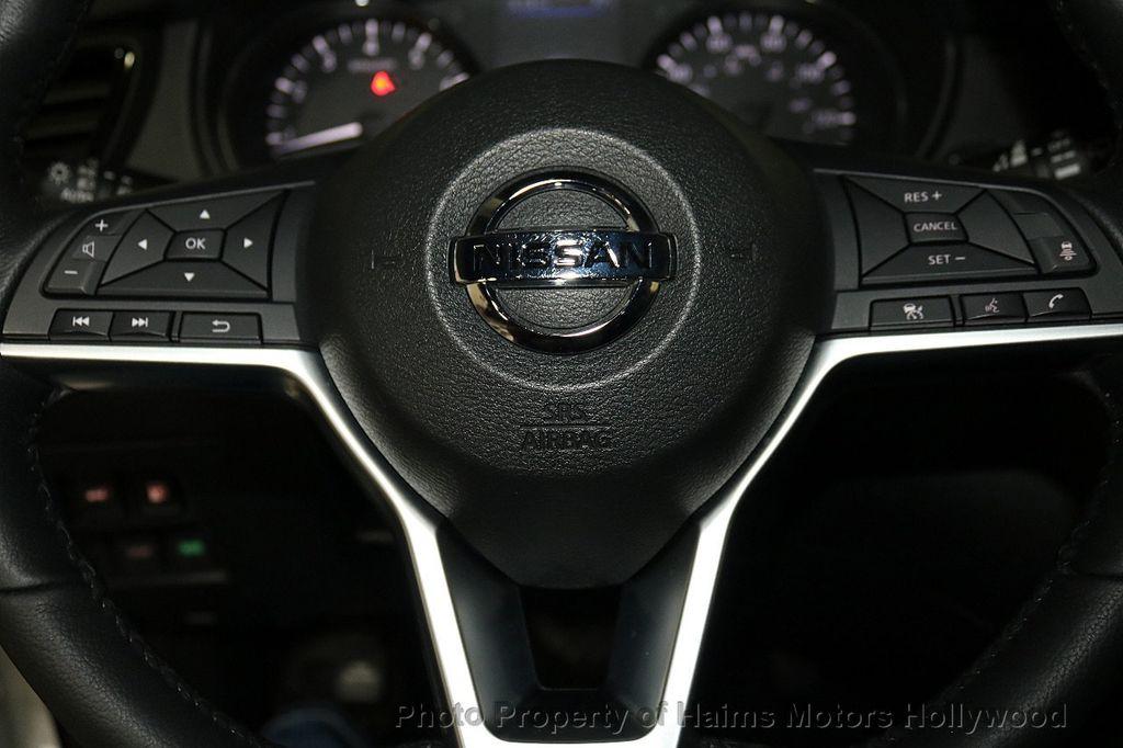 2018 Nissan Rogue FWD SL - 18546610 - 27