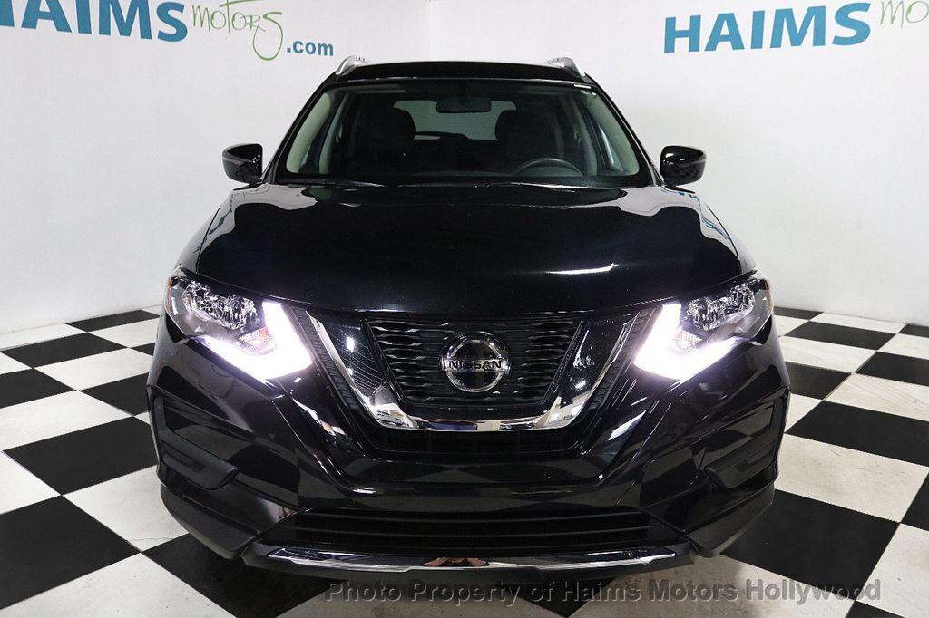 2018 Nissan Rogue FWD SV - 18346847 - 2