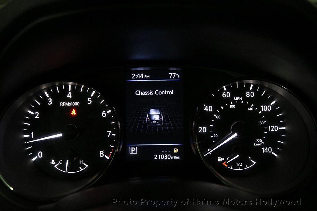 2018 Nissan Rogue FWD SV - 18346847 - 29