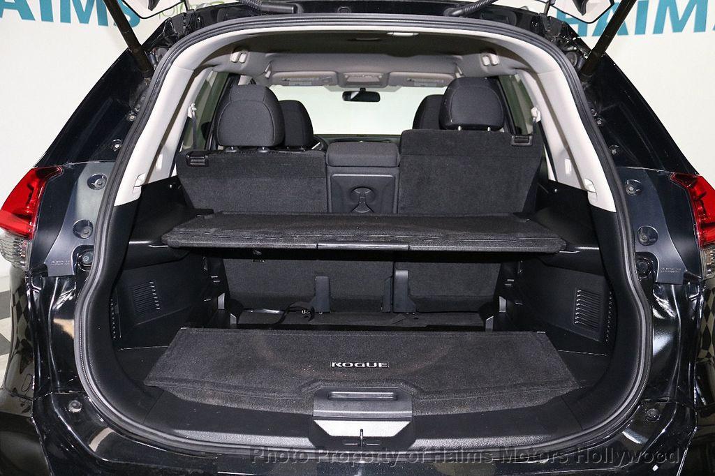 2018 Nissan Rogue FWD SV - 18346847 - 8