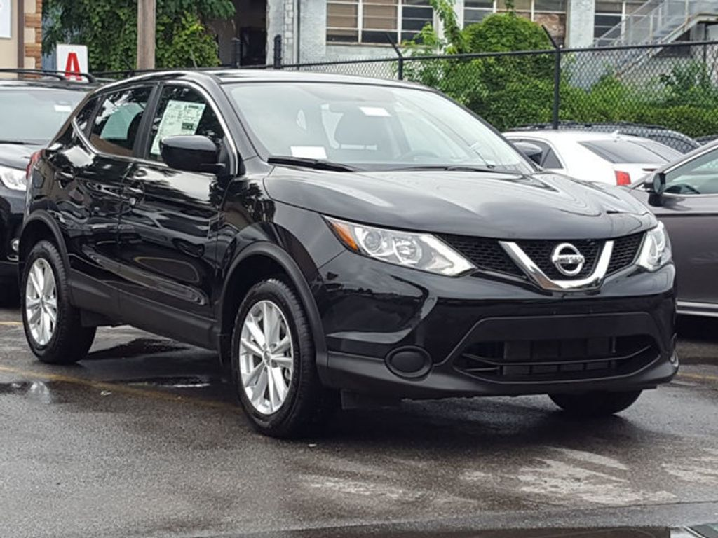 2018 Nissan Rogue Sport S AWD Appearence Package w/Alloy Wheels - 18047353 - 3