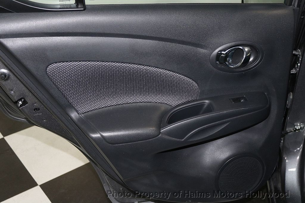 2018 Nissan Versa Sedan SV CVT - 17509762 - 10