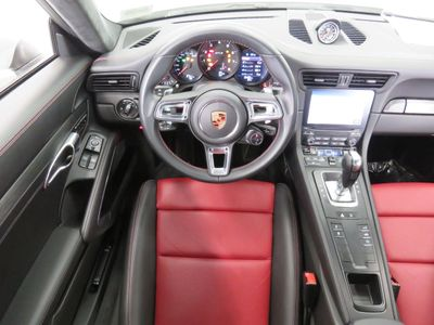 2018 Porsche 911 CARRERA GTS COUPE Coupe - Click to see full-size photo viewer