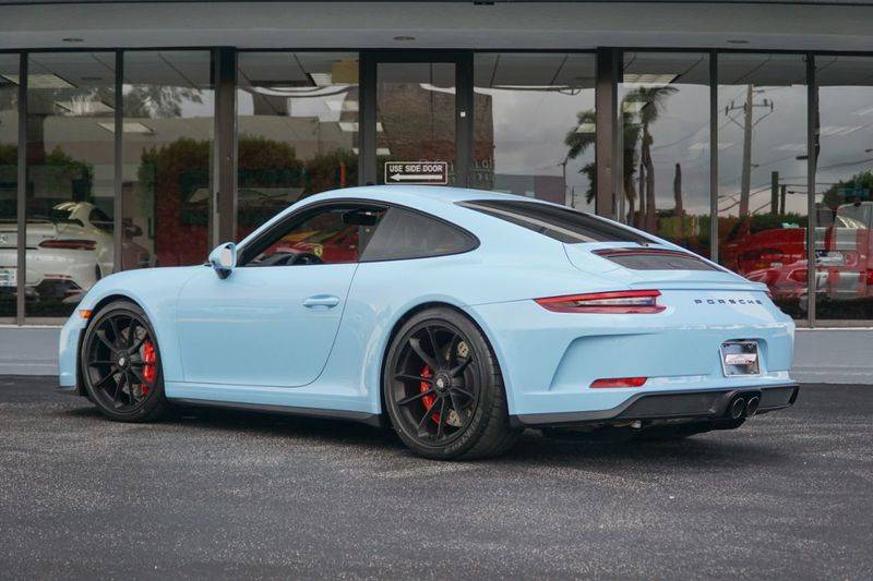 2018 Porsche 911 GT3  - Click to see full-size photo viewer