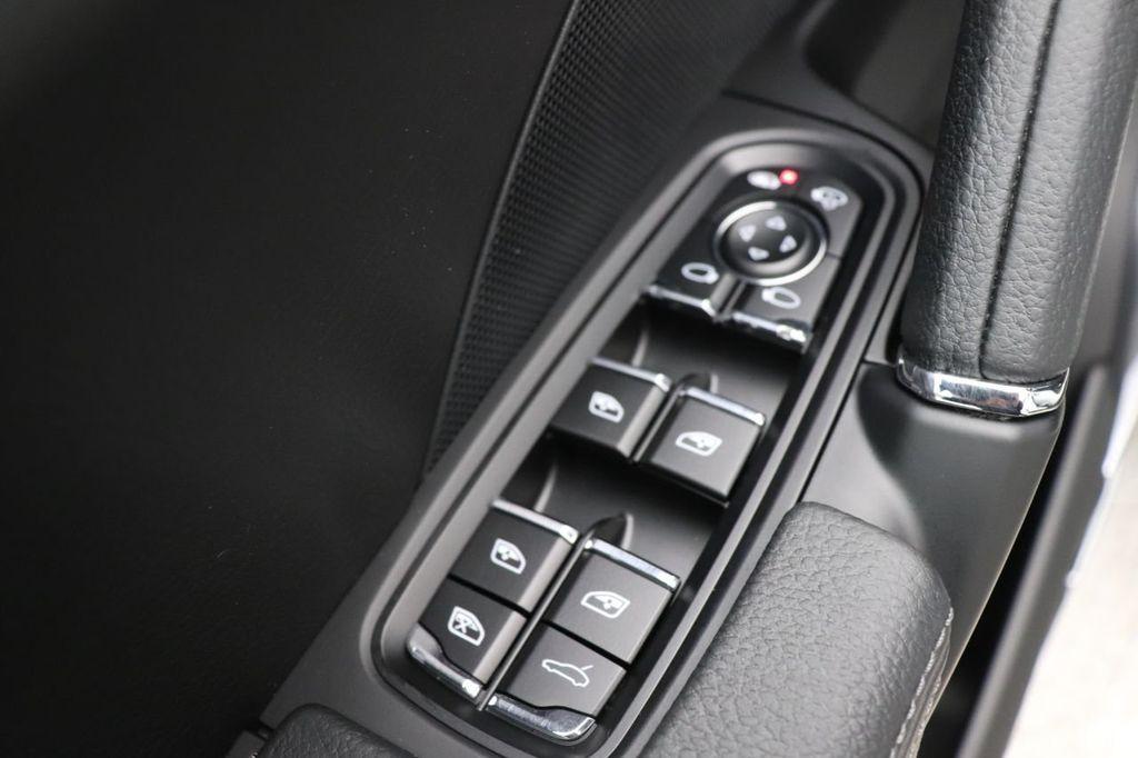 2018 Porsche Cayenne 4DR SUV AWD - 18632281 - 25