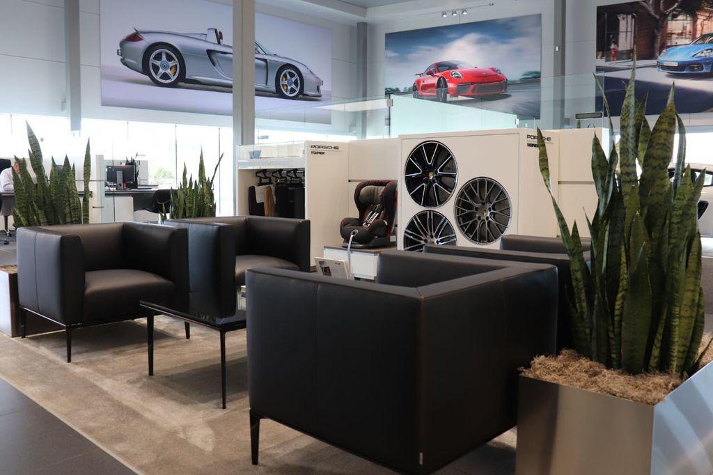 2018 Porsche Cayenne 4DR SUV AWD - 18632281 - 40