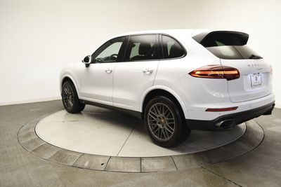 2018 Porsche Cayenne Platinum Edition AWD SUV - Click to see full-size photo viewer