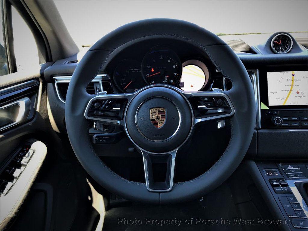 2018 Porsche Macan  - 18671368 - 19