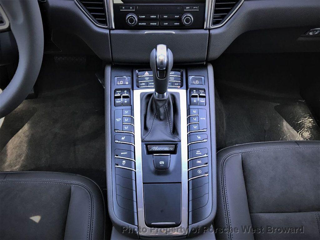 2018 Porsche Macan  - 18671368 - 24