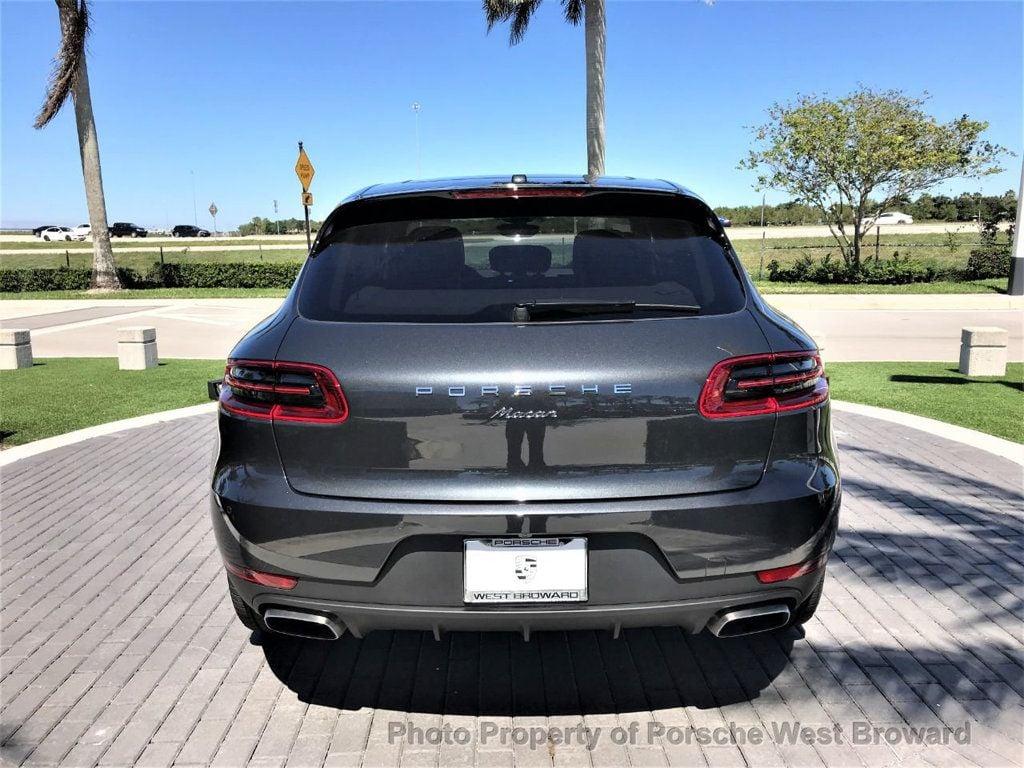 2018 Porsche Macan  - 18671368 - 5