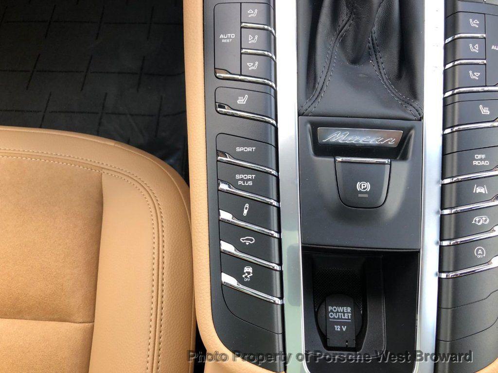 2018 Porsche Macan Sport Edition - 18050101 - 17