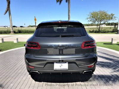 2018 Porsche Macan  SUV - Click to see full-size photo viewer