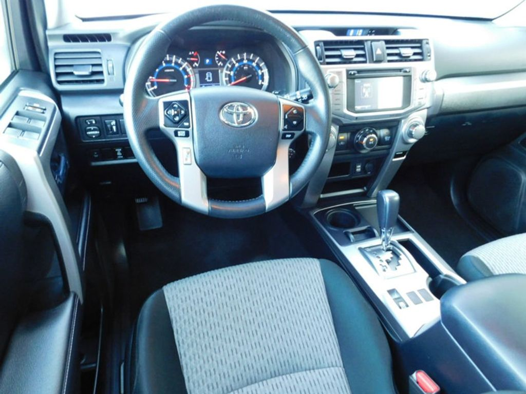 2018 Toyota 4Runner SR5 2WD   18041253   4