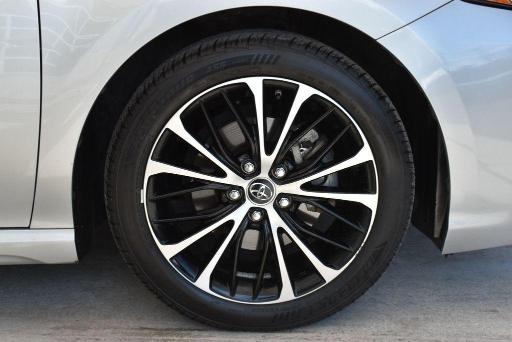 2018 Toyota Camry  - 18592317 - 9