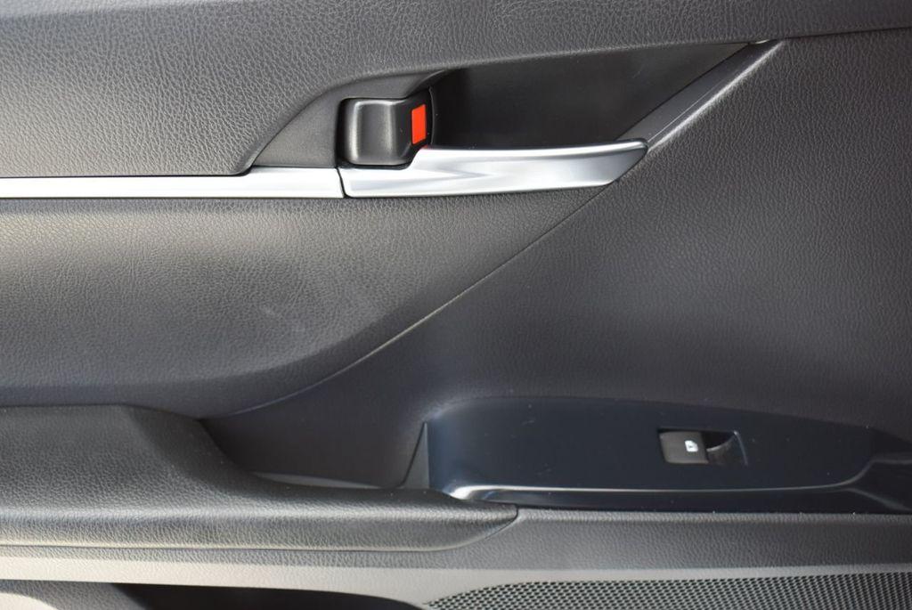 2018 Toyota Camry  - 18592317 - 11