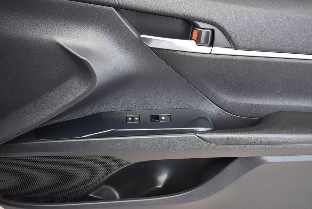 2018 Toyota Camry  - 18592317 - 15