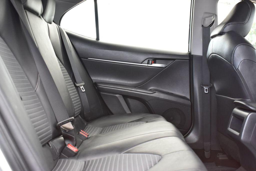2018 Toyota Camry  - 18592317 - 16