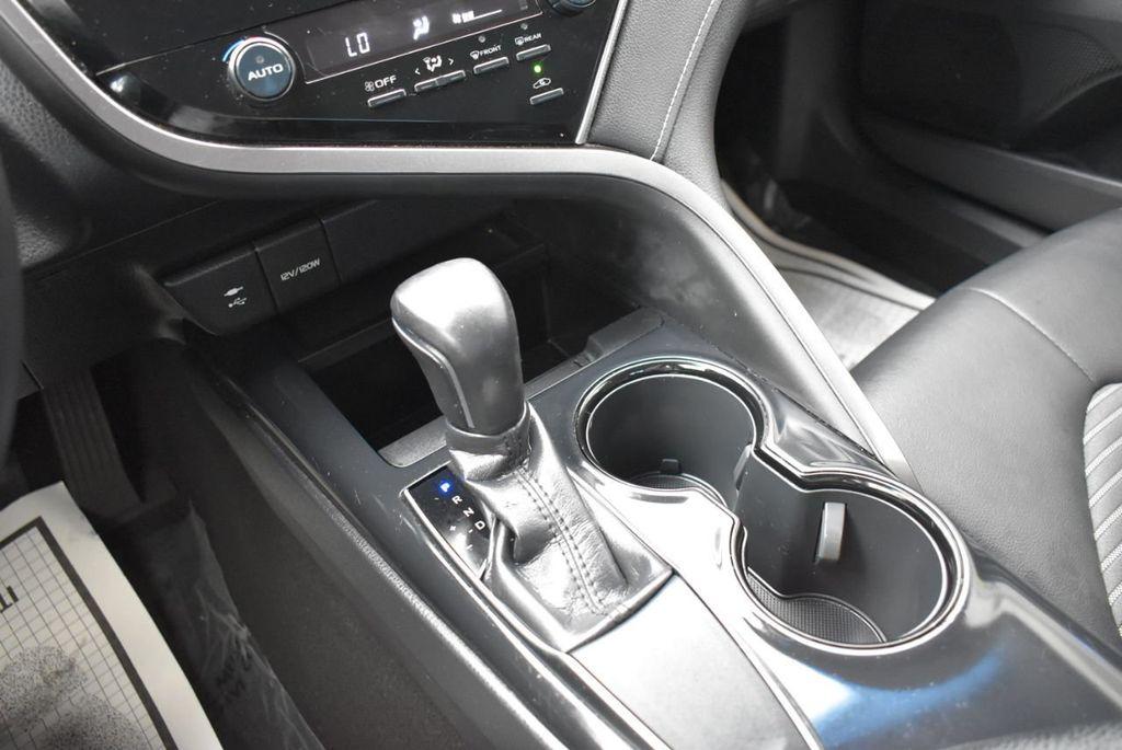 2018 Toyota Camry  - 18592317 - 23