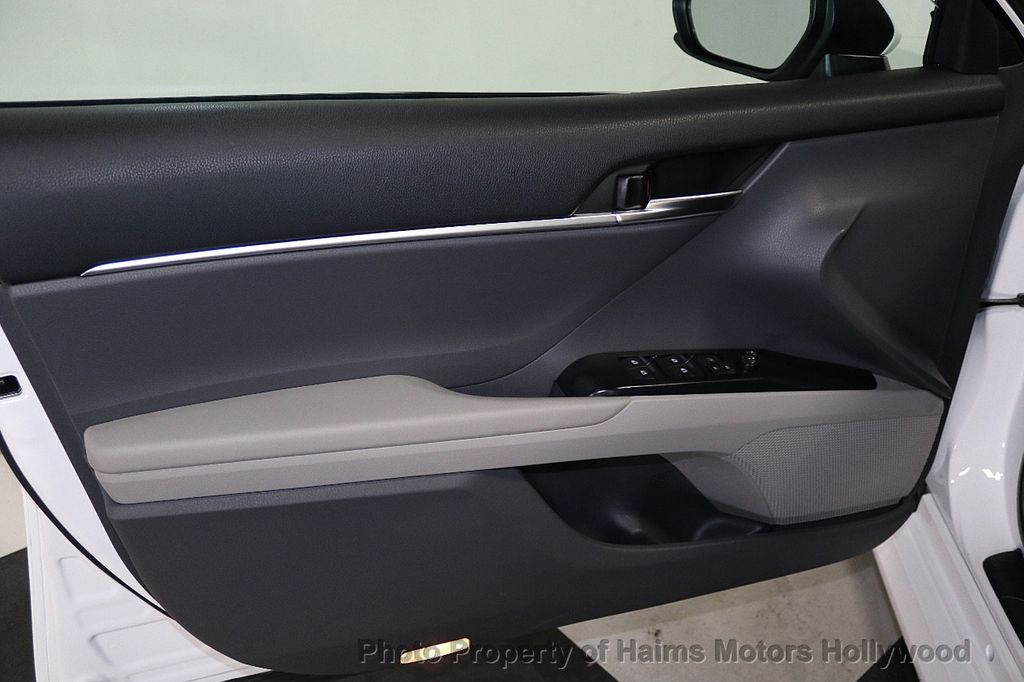 2018 Toyota Camry LE Automatic - 17875278 - 9