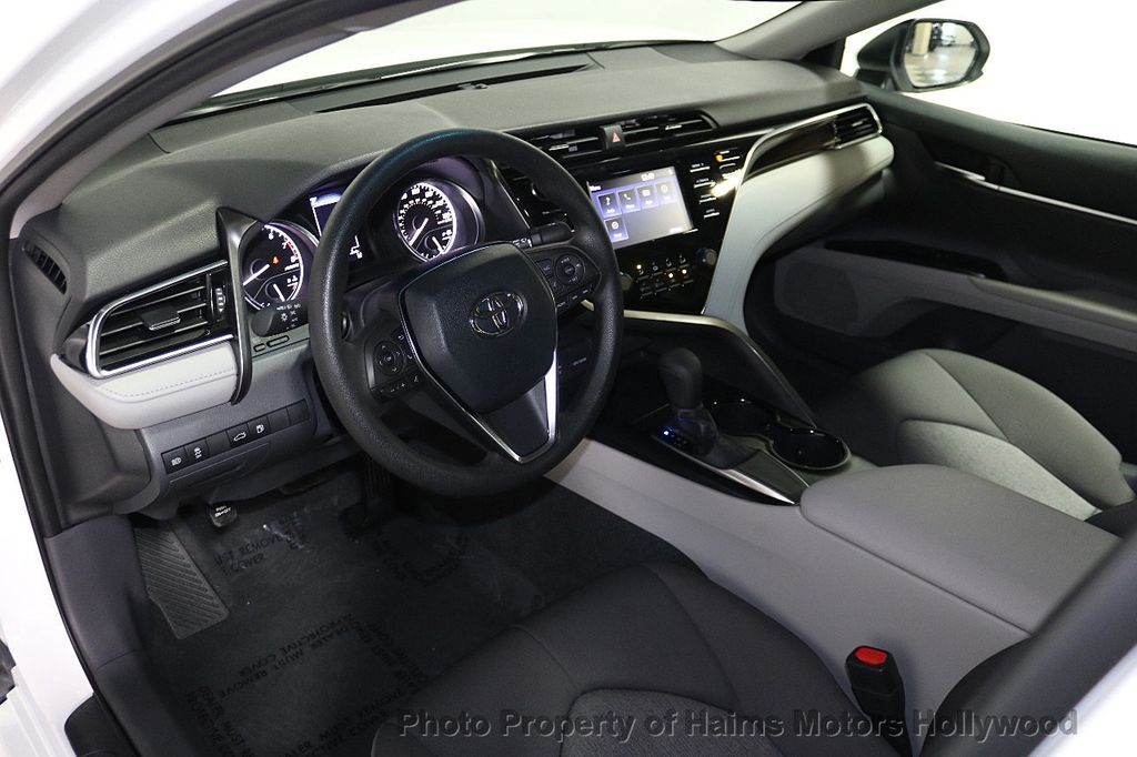 2018 Toyota Camry LE Automatic - 17875278 - 17