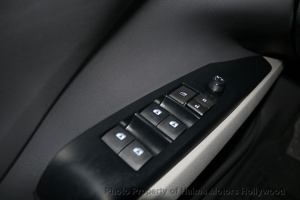 2018 Toyota Camry LE Automatic - 17875278 - 23