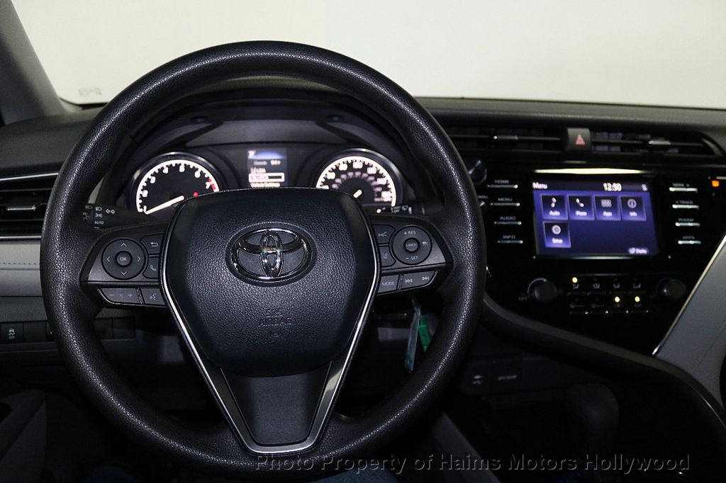 2018 Toyota Camry LE Automatic - 17875278 - 28