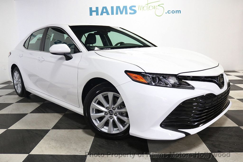 2018 Toyota Camry LE Automatic - 17875278 - 3
