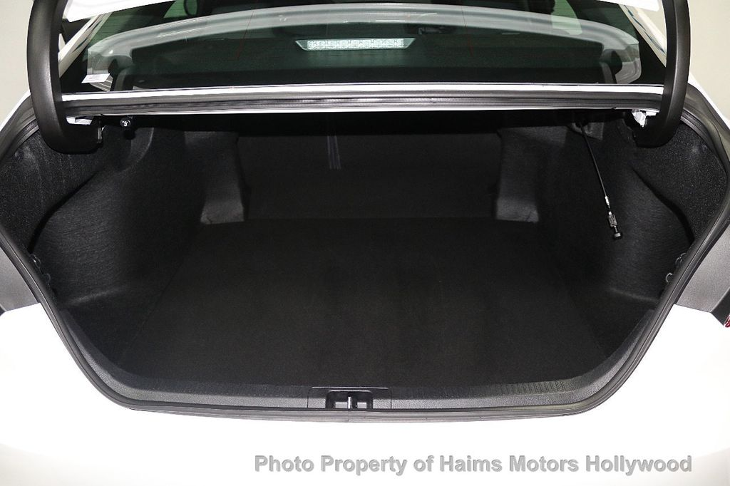 2018 Toyota Camry LE Automatic - 17875278 - 8