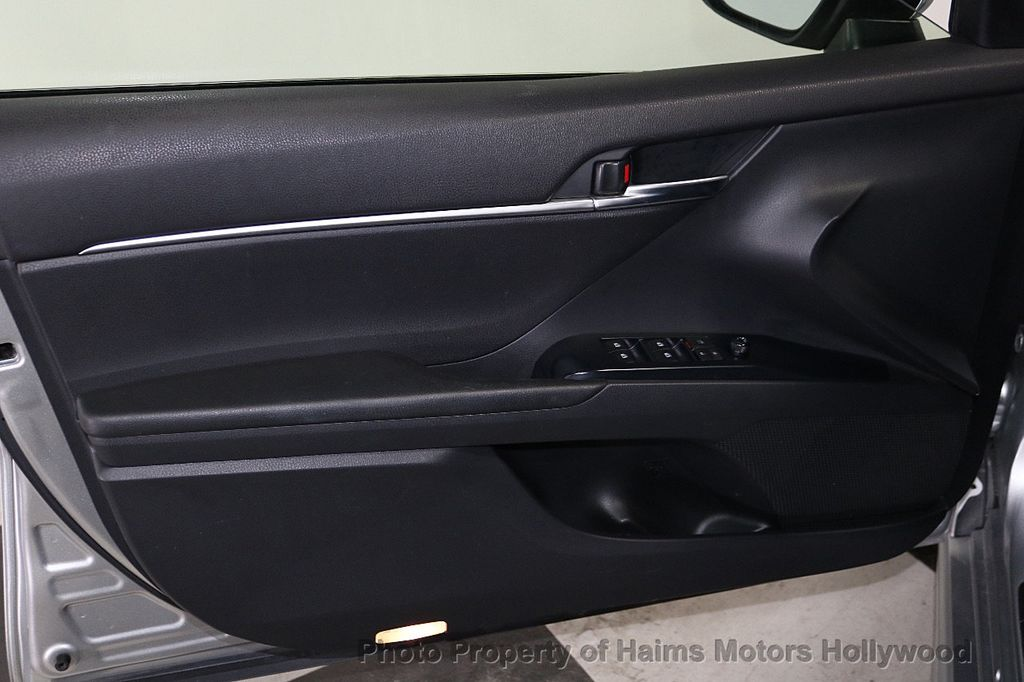 2018 Toyota Camry SE Automatic - 18202674 - 9